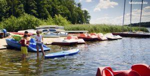 wypożyczalnia sprzętu wodnego w Lubiatowie - plaża, kajaki, łódki i rowerki wodne
