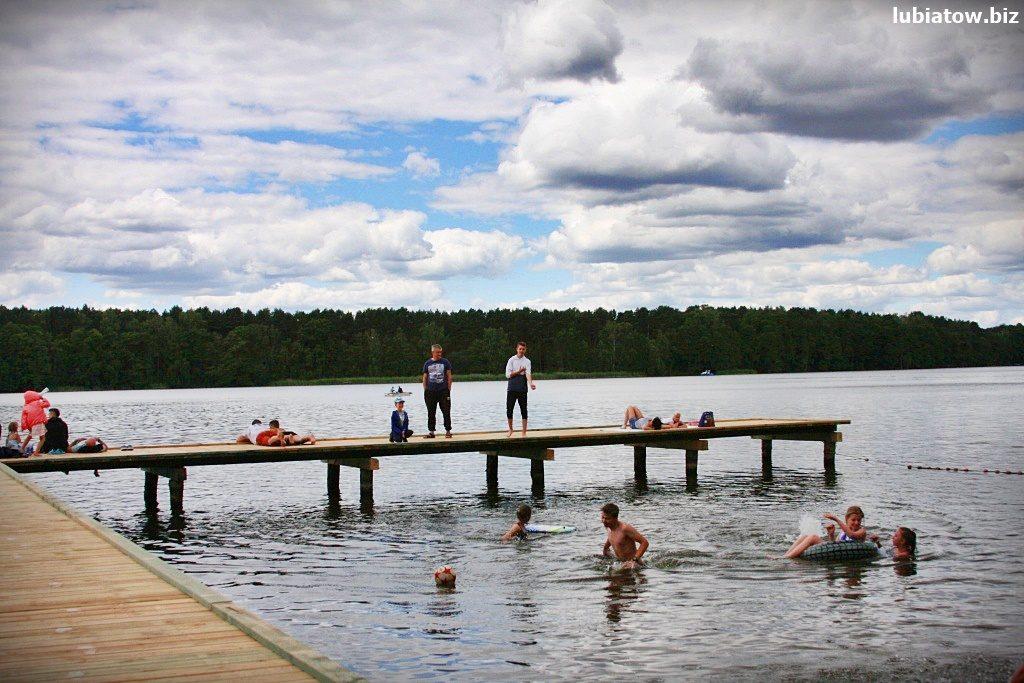 pomost kąpielowy w Lubiatowie jezioro Sławskie