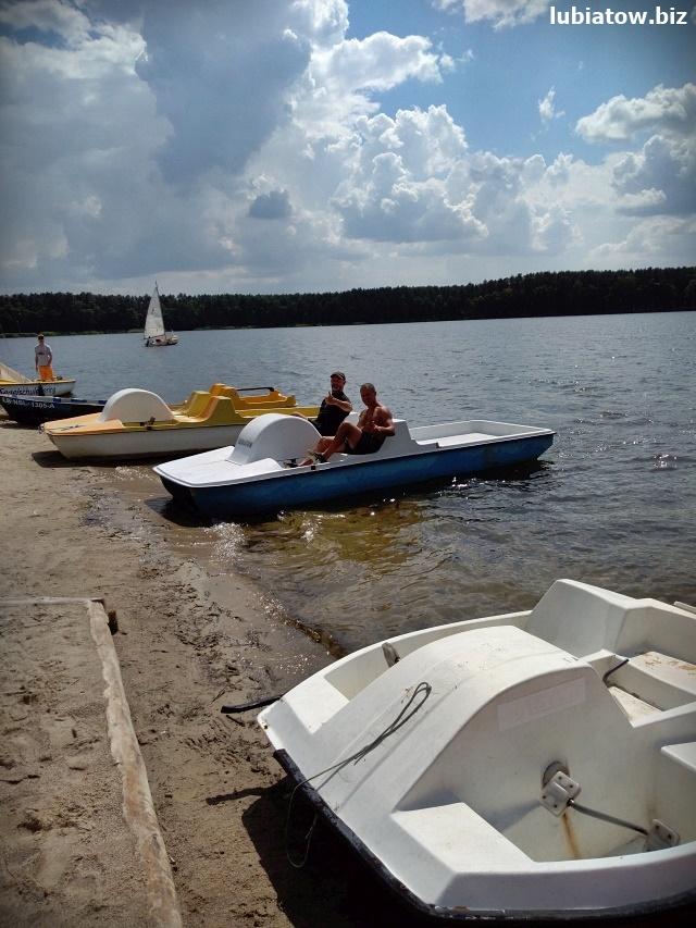 rowerki wodne wypożyczalnia w Lubiatowie koło Sławy, jezioro sławskie