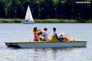 rodzinny wypoczynek w Lubiatowie, rowerki wodne, weekend nad wodą