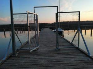 pomost żeglarski, przystań w Lubiatowie wypożyczalnia sprzętu wodnego nad jeziorem Sławskim